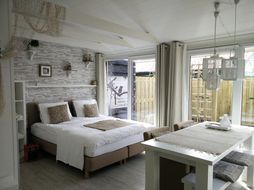 B&B 't Buitenhuis Lounge en Beach in Dirkshorn, Noord-Holland - Nederland